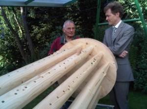 Kurt Jung und Clemens Rasch beim letzten Design-Feinschliff